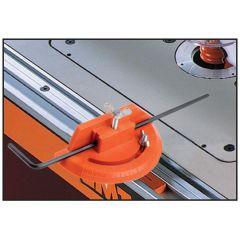 Met graden voorziene dwarsgeleider voor artikel 999.500.01